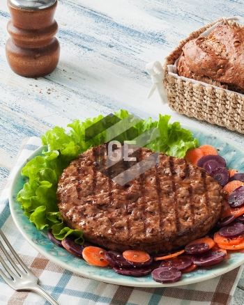 Grilled beef burger